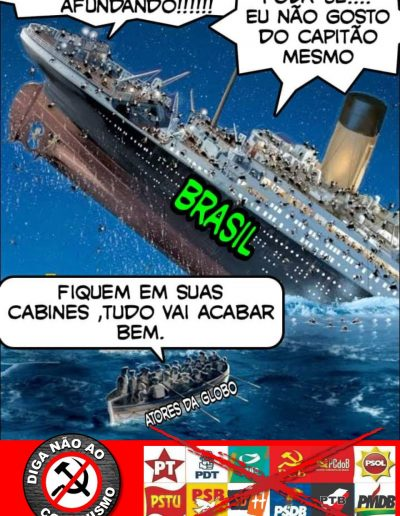 navio afundando
